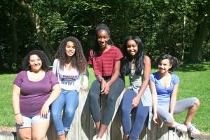 Sara ('14), Nellie ('14), Alexandra ('15), Kesi ('15), Tanaja ('16)